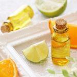 お昼間でも光毒性を気にせず使える柑橘系の精油は?